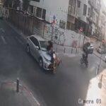 צפו בתיעוד מצלמות האבטחה: רוכבות ביחד על קורקינט ונדרסות על ידי רכב [וידאו]