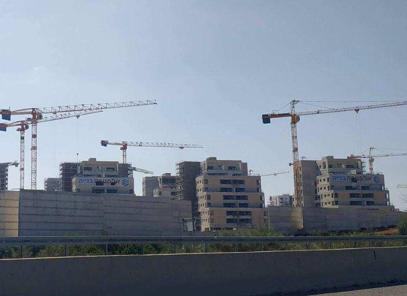 051 – בנייה באור עקיבא – בנייה בשכונת אור ים – מגדלור ניוז