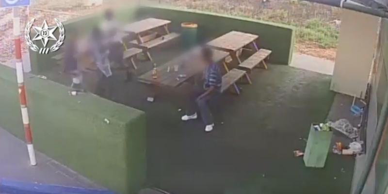 תקיפה אלימה בתחנת דלק בנתניה - מצלמת אבטחה
