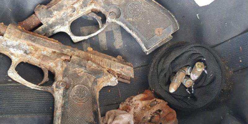 שני אקדחים בני 70 אותרו בשדה בפרדס חנה